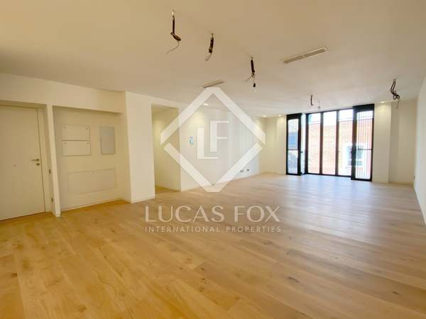 223m² Apartment for sale in Almagro, Madrid