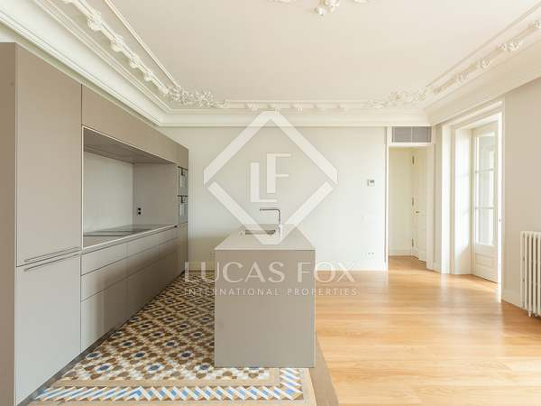 Apartments to buy in Casa Burés on Ausias March, Eixample