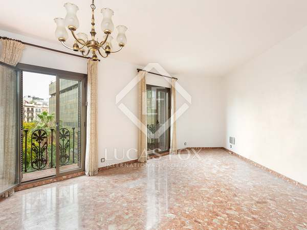 159m² Apartment with 10m² terrace for sale in Eixample Left