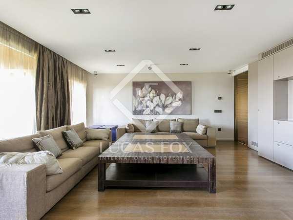 Piso de 182m² con terraza de 12m² en alquiler en Pedralbes