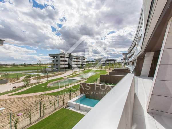200m² Apartment with 74m² terrace for sale in Pozuelo