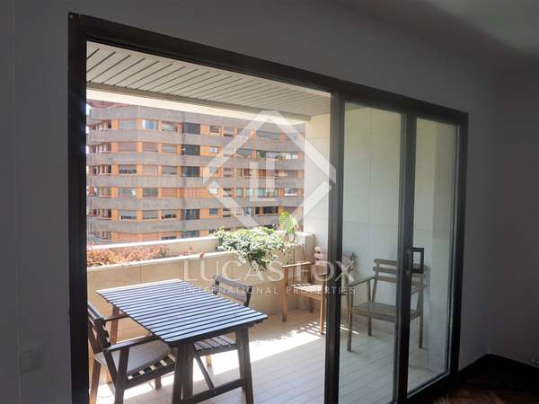 97m² Apartment with 10m² terrace for sale in El Pla del Real