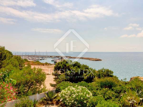 229m² House / Villa for sale in Torredembarra, Tarragona