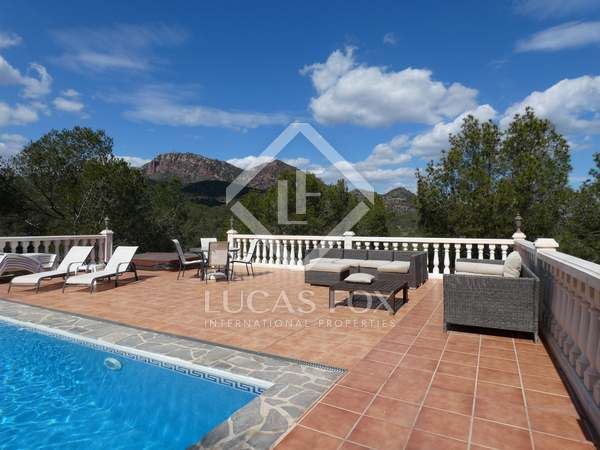 165m² House / Villa for sale in Playa Sagunto, Valencia