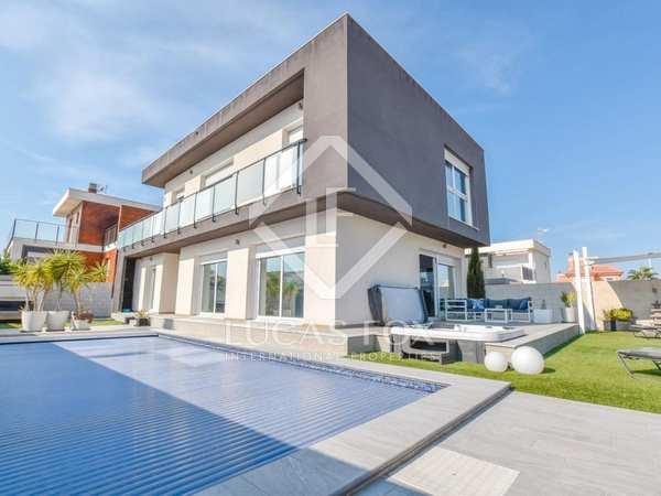 Casa / Villa de 206m² en venta en Alicante ciudad, Alicante