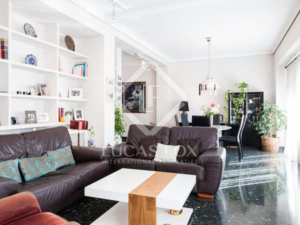 Sunny, spacious apartment to buy and update near Gran Via