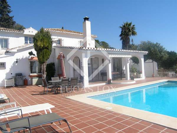 238m² villa with 4,100m² garden for sale in Mijas