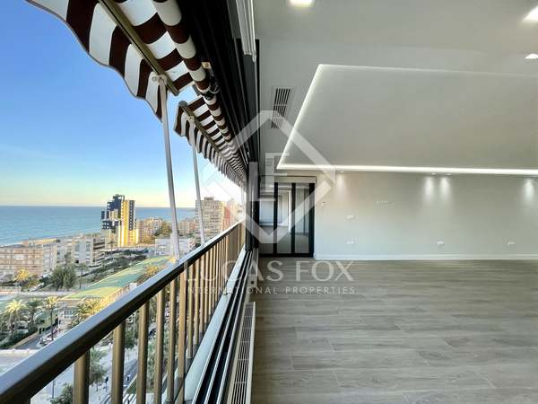 276m² Apartment with 20m² terrace for sale in Playa San Juan