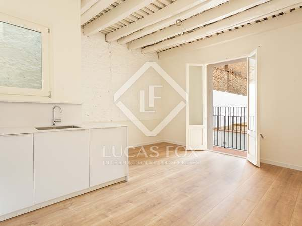 109m² Apartment with 29m² terrace for sale in El Born