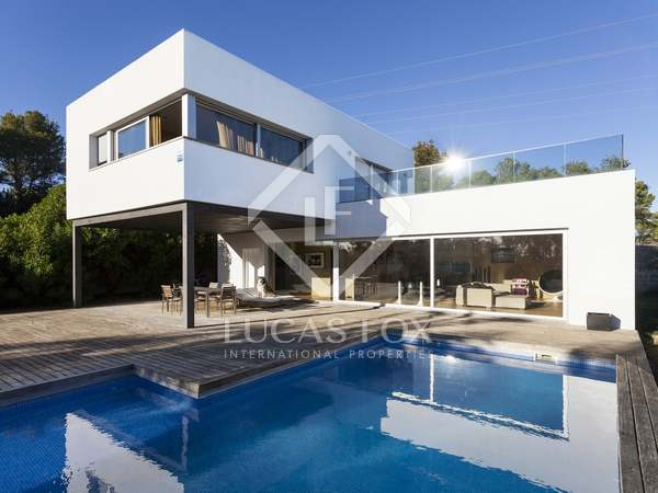 241m² house for sale in Olivella, Sitges