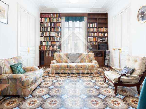 220m² Apartment for sale in Eixample Right, Barcelona
