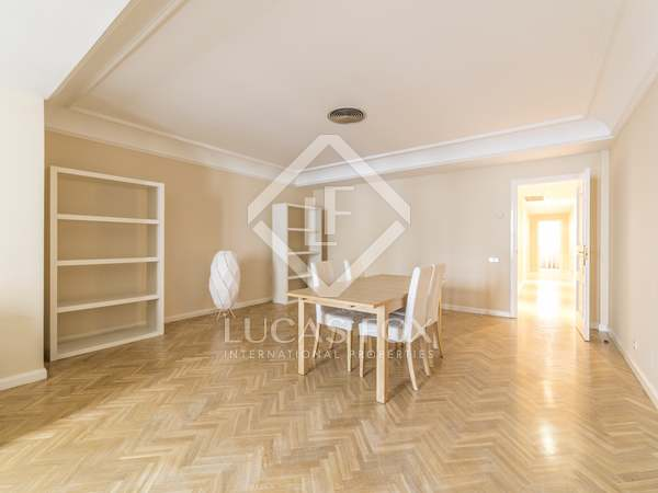 120m² Apartment for rent in Justicia, Madrid