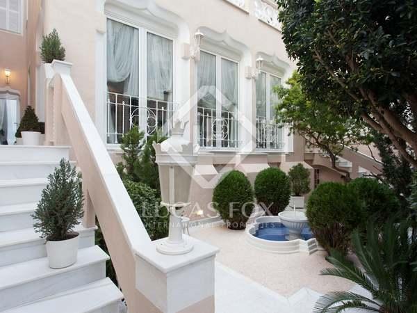 Maison de luxe au bord de la mer en vente sur la côte du Maresme au nord de Barcelone