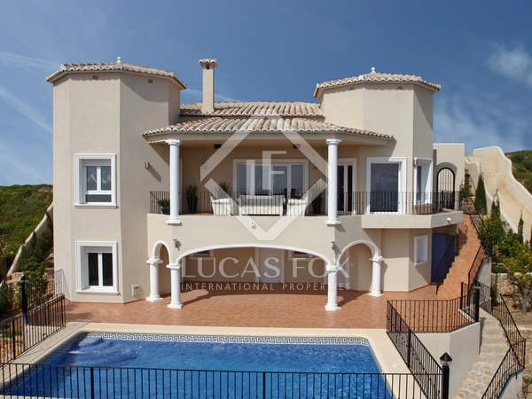 362m² House / Villa with 28m² garden for sale in Jávea