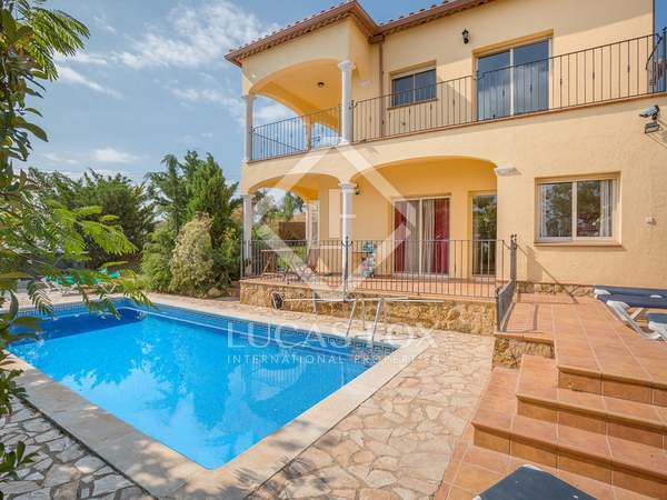 Villa de 5 dormitorios en venta en Playa de Aro