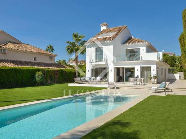 huis / villa van 546m² te koop met 1,075m² Tuin in Nueva Andalucía