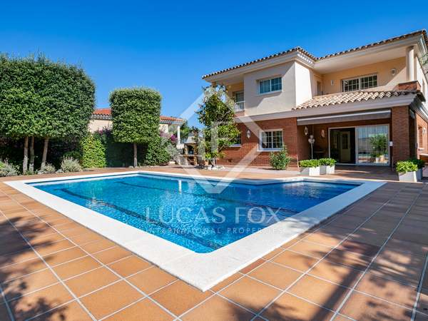 549m² House / Villa for sale in Teià, Maresme