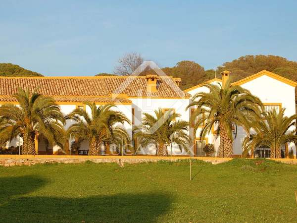 Tenuta Rustica / Sportiva di 2,000m² in vendita a Granada