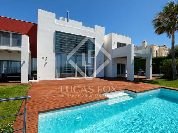 495m² House / Villa with 142m² terrace for sale in New Golden Mile
