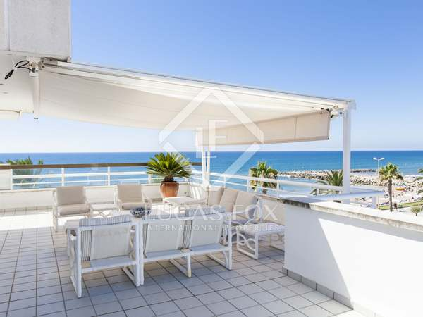 Ático dúplex de 7 dormitorios en venta en Sitges