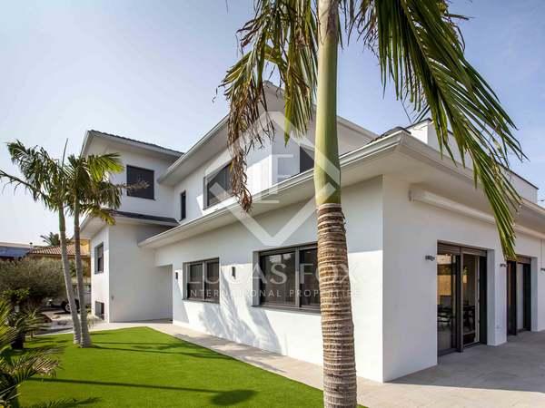 Casa / Villa di 290m² in affitto a Godella / Rocafort