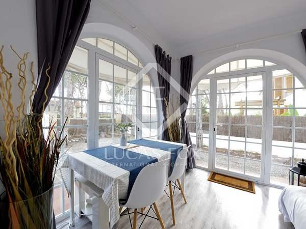 Huis / Villa van 75m² voor de korte termijn verhuur in Castelldefels