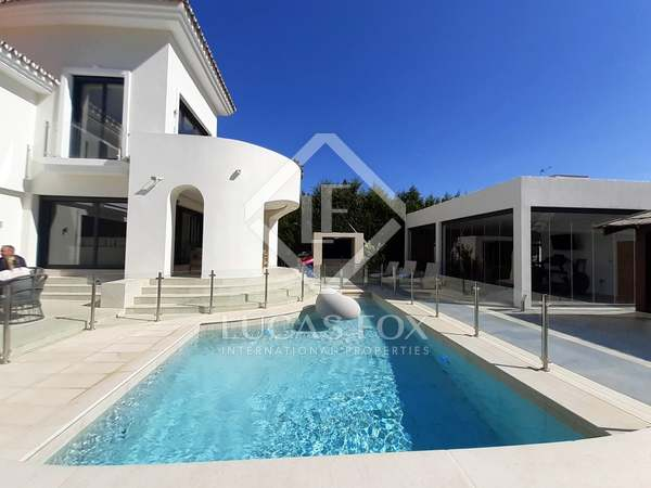 255m² House / Villa with 1,255m² garden for sale in New Golden Mile