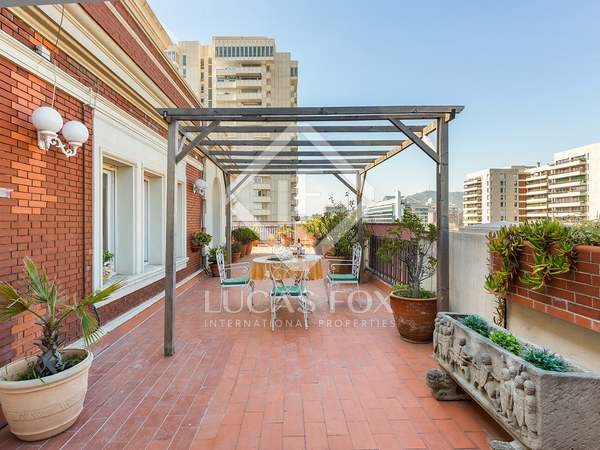 192m² Penthouse with 124m² terrace for sale in Turó Park