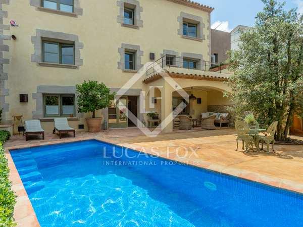 Huis / Villa van 540m² te koop in Begur Town, Costa Brava