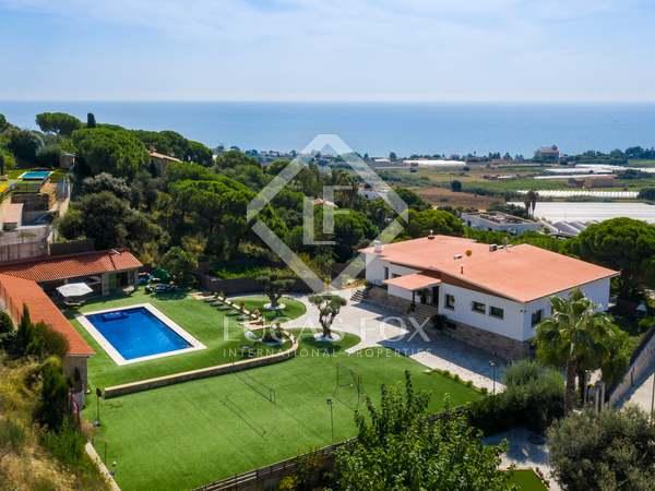 600m² Hus/Villa med 2,400m² Trädgård till uthyrning i Mataro