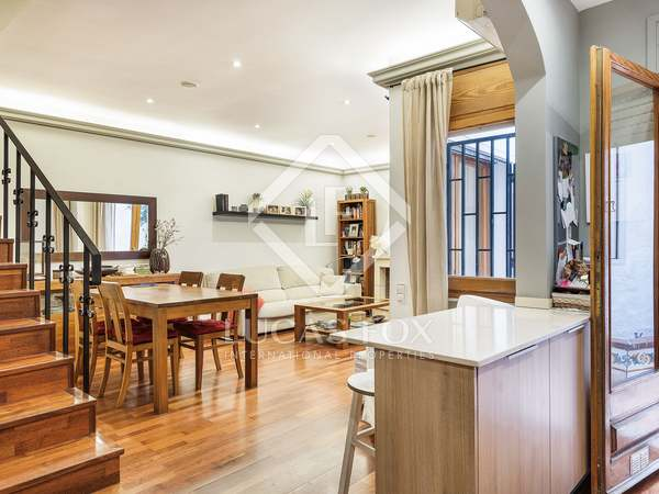 179 m² house with 90 m² terrace for sale in Gracia