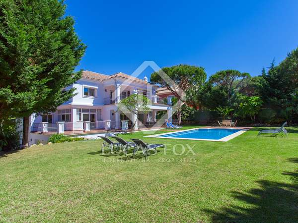 661m² House / Villa for sale in East Marbella