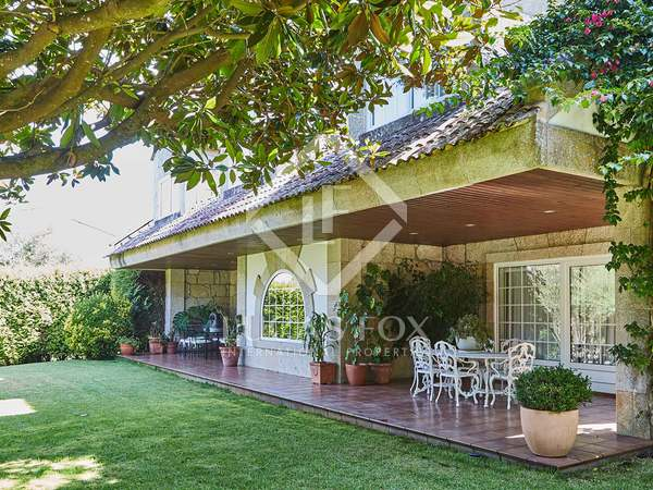 Huis / Villa van 635m² te koop in Pontevedra, Galicia