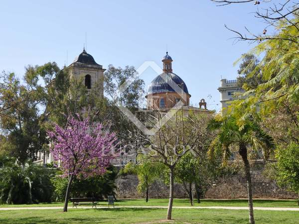 Parcela de 432 m² en venta en La Seu, Valencia