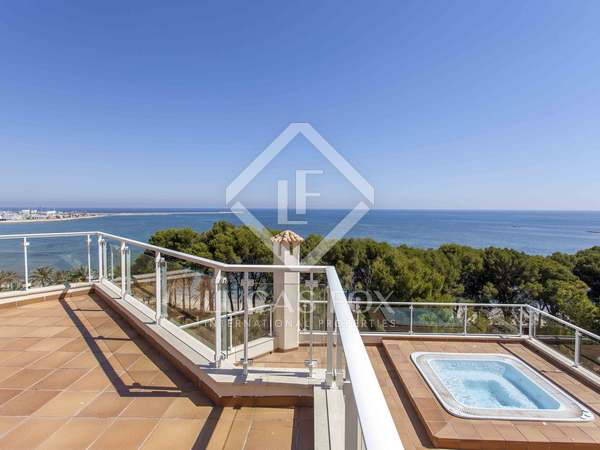 Lovely house with sea views for sale in las Rotas