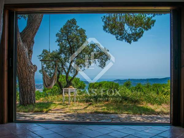266m² House / Villa with 1,798m² garden for sale in Platja d'Aro