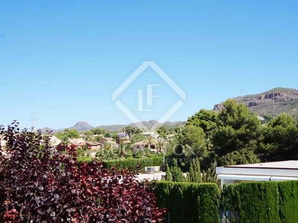 Huis / Villa van 440m² te koop met 200m² Tuin in Puzol