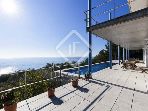 591m² House / Villa for sale in Garraf, Sitges