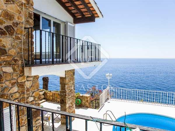 Huis / Villa van 380m² te koop in Lloret de Mar / Tossa de Mar