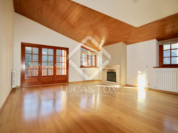 112 m² apartment with 15 m² garden for sale in La Massana