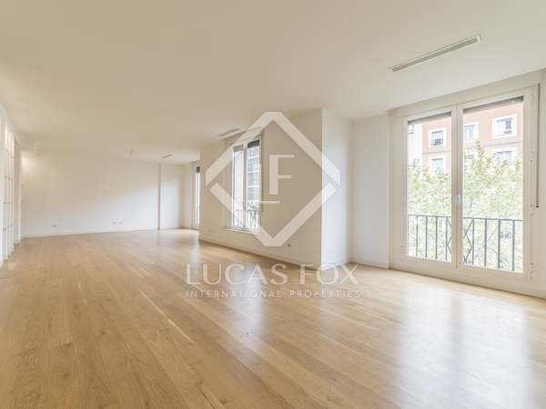 270m² Apartment for rent in Recoletos, Madrid