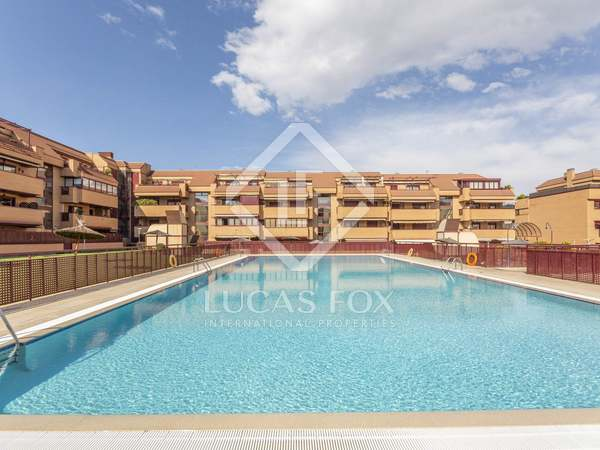 178m² Apartment with 27m² terrace for sale in Las Rozas
