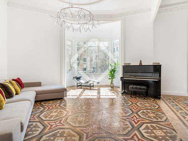 222m² Apartment with 48m² terrace for sale in Eixample Right
