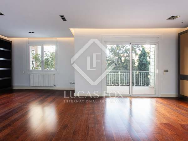 181m² Apartment with 14m² terrace for rent in Turó Park