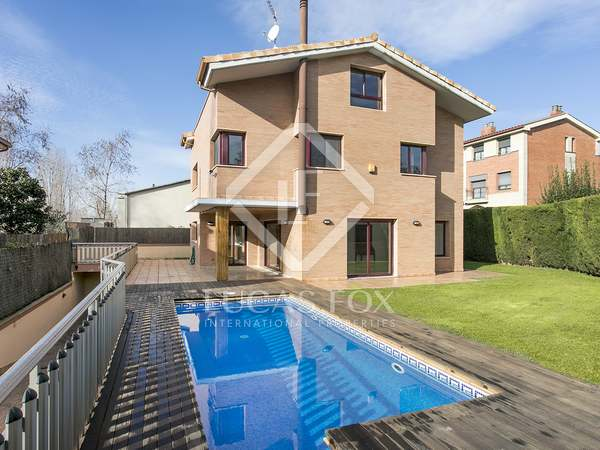 Casa / Vil·la de 340m² en lloguer a Sant Cugat, Barcelona