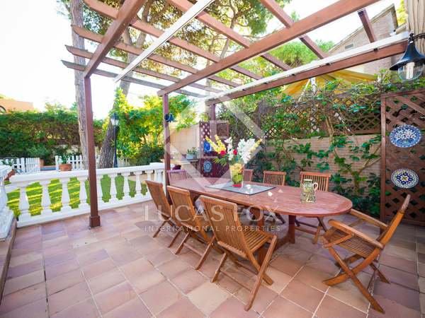 365m² House / Villa with 250m² garden for sale in La Pineda