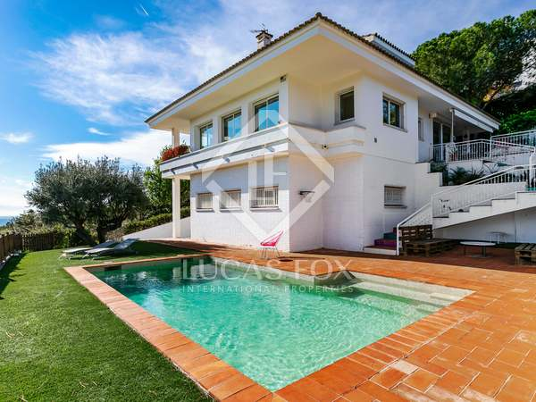 432m² House / Villa for sale in Alella, Maresme