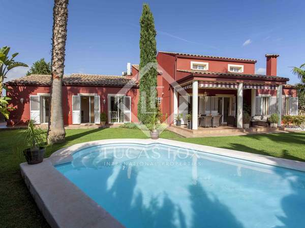 225m² House / Villa for sale in Bétera, Valencia