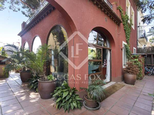 160m² House / Villa with 150m² terrace for rent in Esplugues