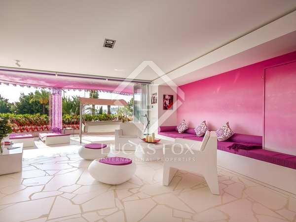 Apartamento de 2 dormitorios en venta en Marina Botafoch